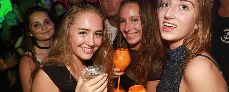 Finns Beach Club - Drink, Dance, Dine and Double Your Money!